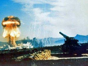 nuclear-artillery-mushroom-cloud-explosion-8